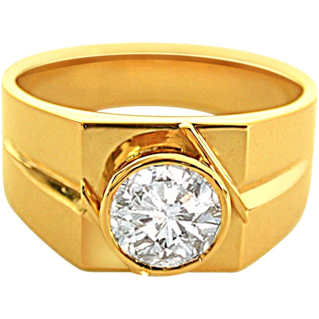 0 40cts Big Solitaire Diamond Men s Ring in 18 kt Gold