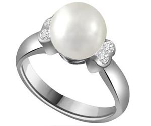 0.12 cts Pearl & Diamond White Gold rings -Designer