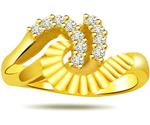 0.22 cts Fancy Diamond rings in 18K Gold