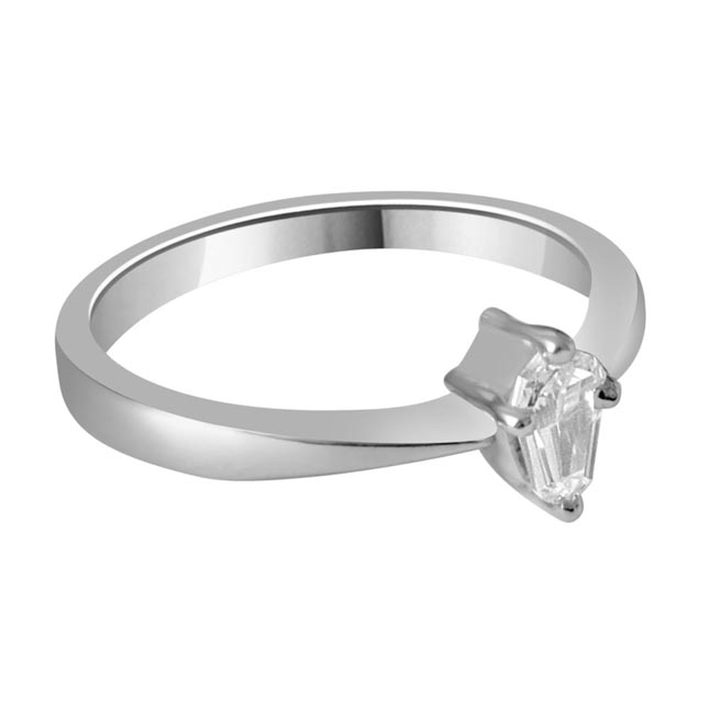 0.26ct Pantagone G/I1 Solitaire Diamond Engagement rings in 14kt White Gold
