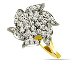 0.88 cts Flower Shape Diamond rings
