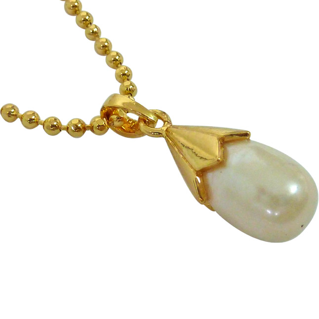 "11.88 cts BIG Real Drop Pearl & Silver Gold Plated Pendants with Gold Plated 22"" chain"