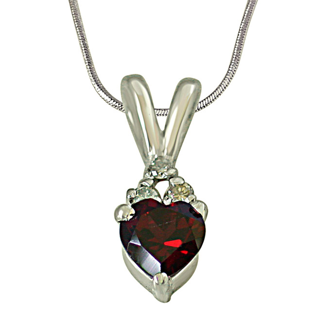 3 Diamond Set on Top of Heart Shape Garnet 925 Silver Pendant with 18 IN Chain