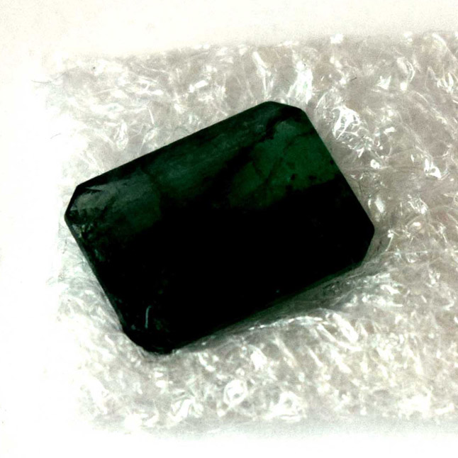 3.39cts Real Natural Rectangle Faceted Green Emerald Gemstone (3.39cts Emerald)