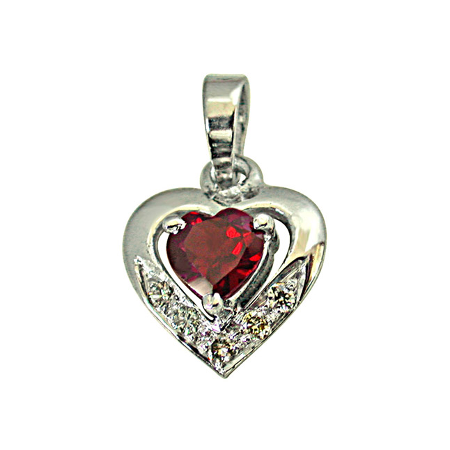 "5 Diamonds Set in Heart Shape 925 Silver with Heart Garnet in Center Pendants with 18"" Chain"