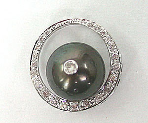 Beautiful Dream -Tahitian Pearl Pendants