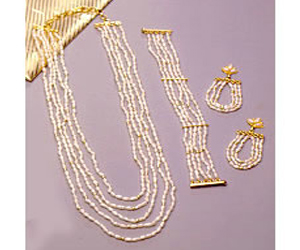 Enamourings Beauty -Pearl Set
