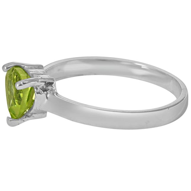 1.00 cts Trillion Green Solitaire Peridot 925 Silver Ring (GSR54)