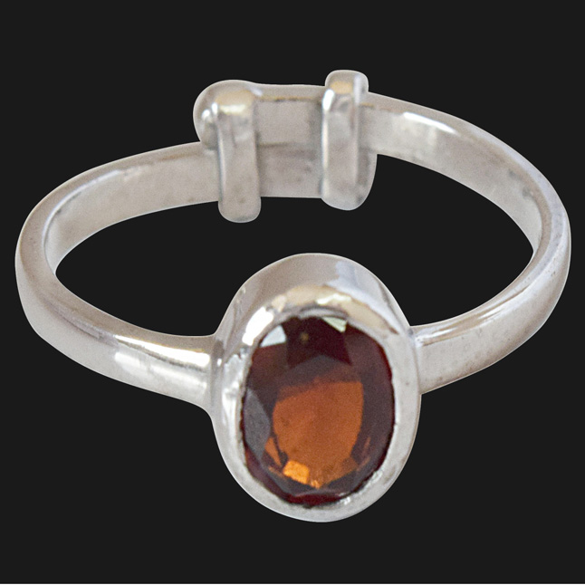 1.58cts Oval Red Garnet and 925 Silver Astrological Ring (GSR60)