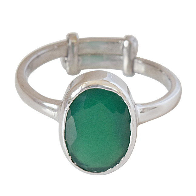 4.56cts A Grade Oval Green Emerald and 925 Silver Adjustable Ring (GSR67)