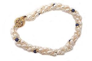 Gaiety SB17 -Pearl Bracelet