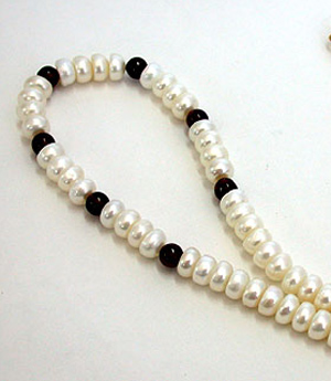 Inamorata - Single Line Red Garnet & Real Freshwater Pearl Necklace for Women (SN54)