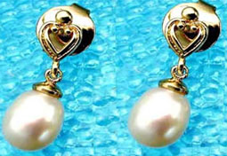 Lovable Pearly Pair - Heart Shape Earring