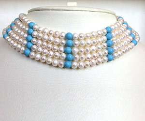 Ostentatious -Pearl Choker