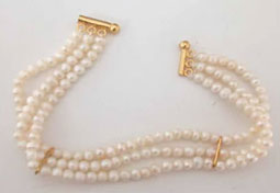 SB -16 Special Gift -Pearl Bracelet