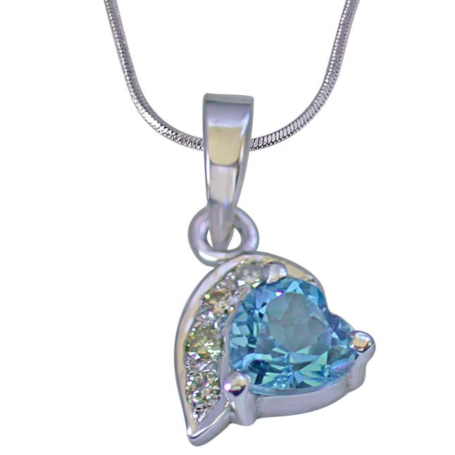 Heart Shaped Swiss Blue Topaz & 4 Big Real Diamond 925 Silver Pendant with 18 IN Chain