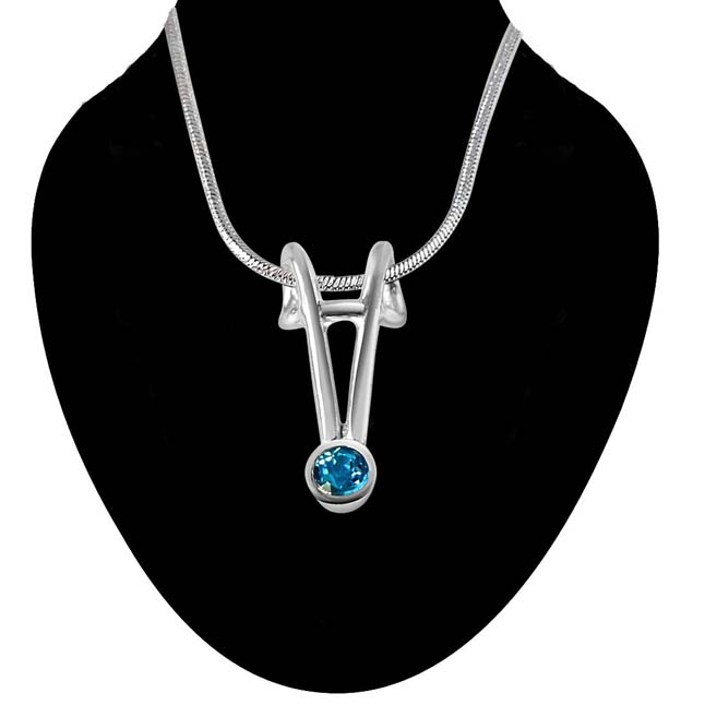 Queen Of Hearts Blue Topaz & Sterling Silver Pendant with 18 IN Chain