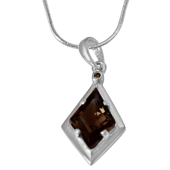 Kite Shaped 2.91 cts Smoky Topaz & Real Diamond 925 Silver Pendant with 18 IN Chain