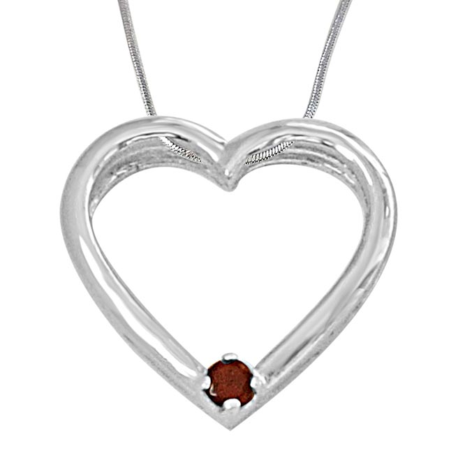 Lovely Heart Shaped Red Garnet and 925 Sterling Silver Pendant with 18 IN Chain
