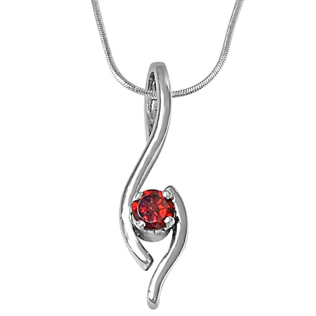 Elegant Round Red Garnet & 925 Sterling Silver Pendant with 18 IN Chain