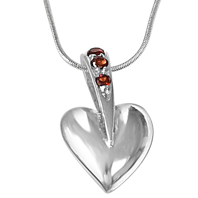 Trendy Heart Red Garnet & 925 Sterling Silver Pendant with 18 IN Chain