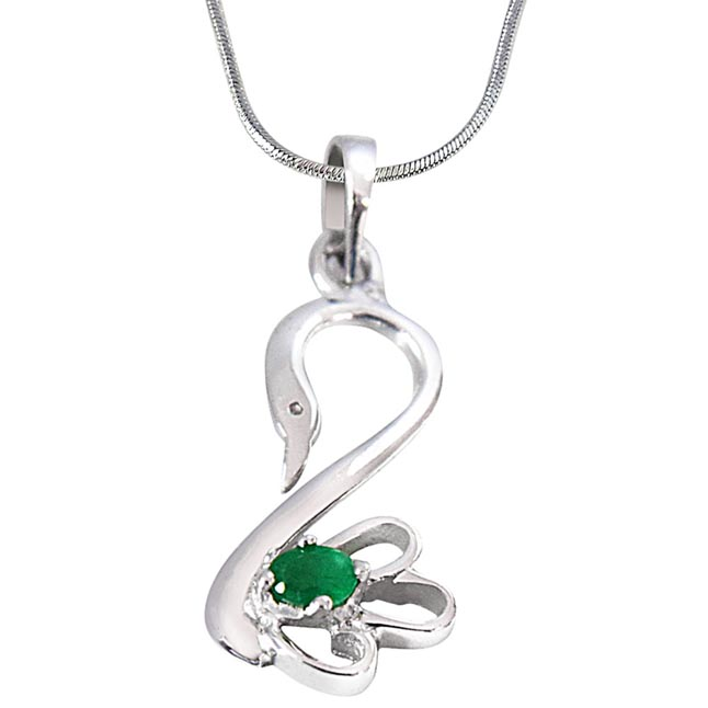 Green Oval Emerald in Peacock Shape 925 Sterling Silver Pendant with 18 IN Silver Finished Chain SDP493