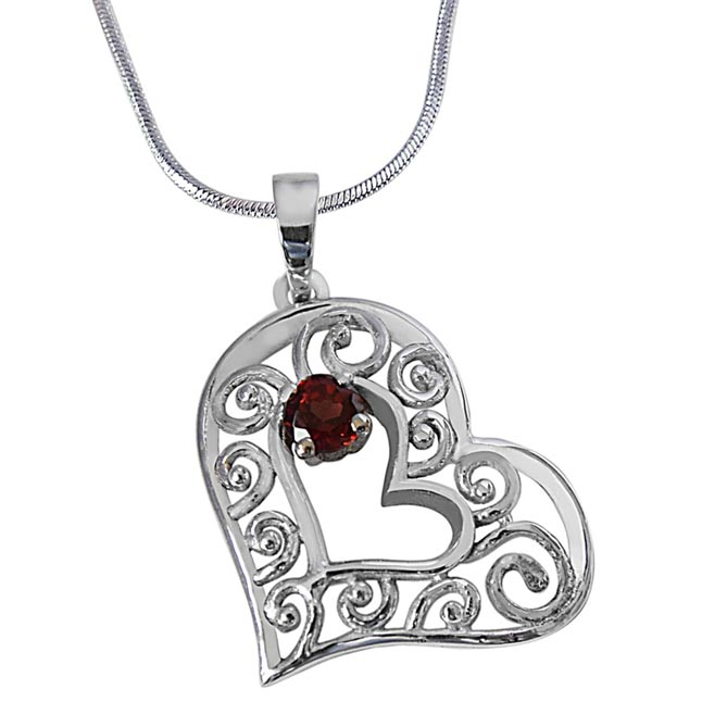 Red Round Garnet in Heart Shape 925 Sterling Silver Pendant with 18 IN Sterling Silver Chain SDP499