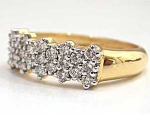 She Is Radiance Diamond Ring in 18kt Gold - White Yellow Gold Ring