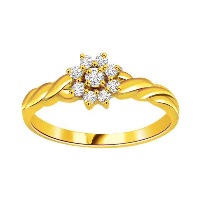 Flower Shape Diamond 18K Ring - Flower Shape Ring