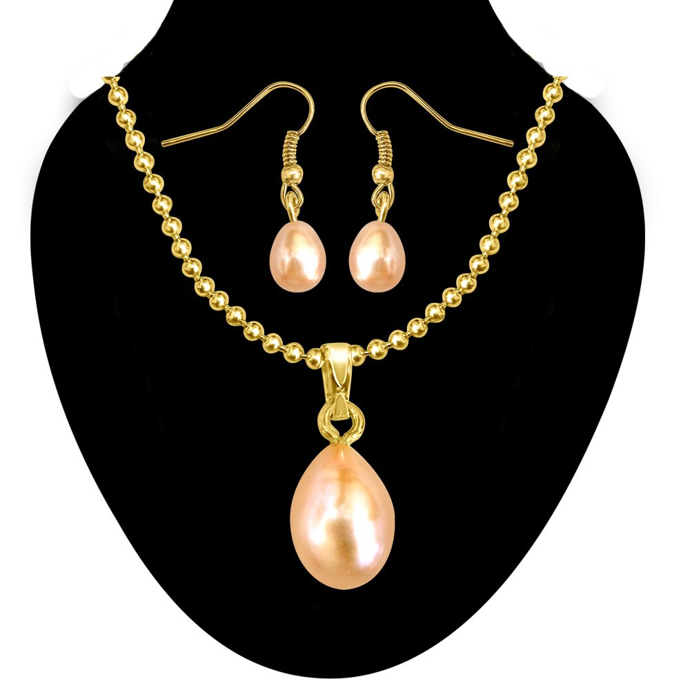 Drop Shape Peach colour Freshwater Pearl & Gold Plated Pendant with Chain & Earring Set for Women (SDS154)