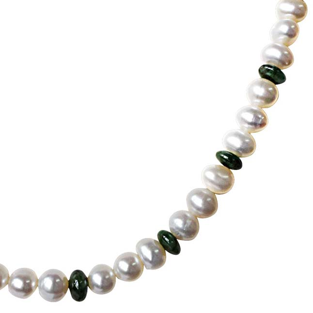 Single Line Real Pearl & Green Round Emerald Necklace