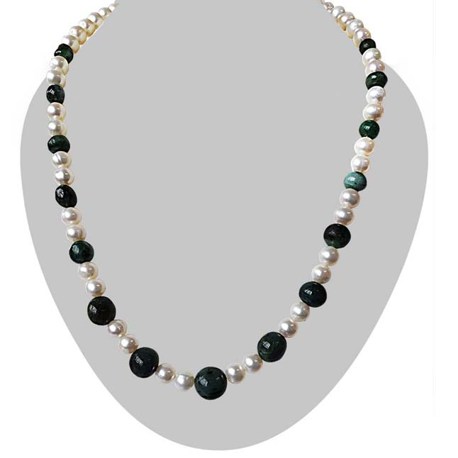 Single Line Real Freshwater Pearl & Round Green Emerald Necklace