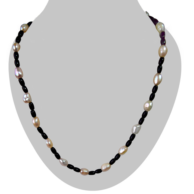 Single Line Real Natural Freshwater Pearl & Black Beads Necklace for Women (SN964)