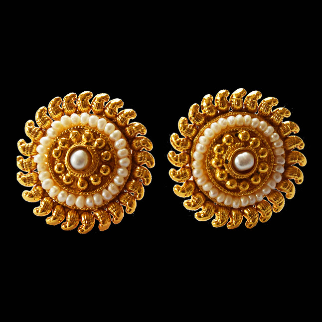 Temple Shape Round Gold Plated Metal Freshwater Pearl Earrings (SP126ER)