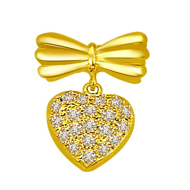 A Real Feeling -0.25 cts Heart Shape Diamond Pendants