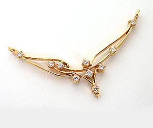 A Simple Diamond & Gold Necklace Pendants Necklaces