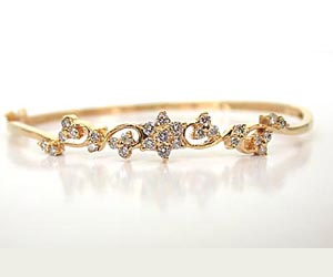 Love Guaranteed -Diamond Bracelets