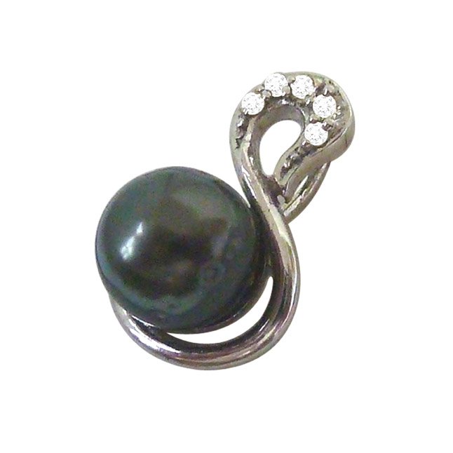 Black Tahitian Solitaire Pearl & Diamond Pendant with 18 IN Chain