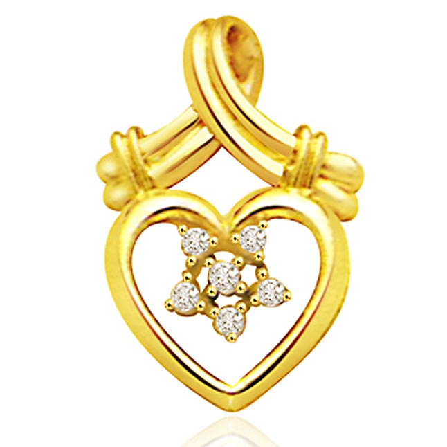 Classy Heart -throbe 0.12ct Diamond Pendants