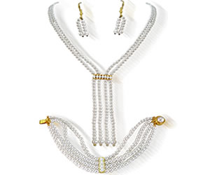 Contemporary Shell Pearl Set