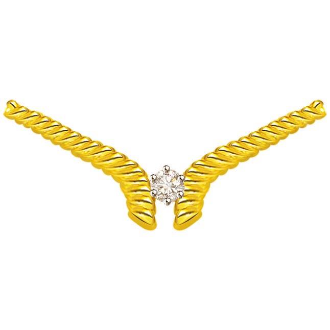 Delicates Diamond Necklace Pendants