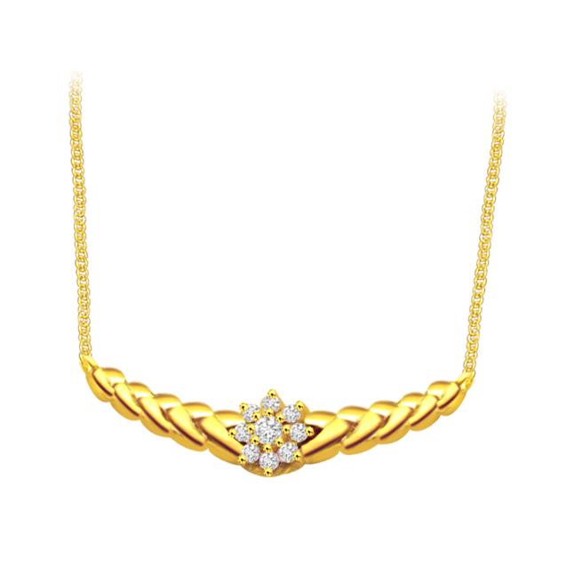 Floral Desire 0.25 cts Flower Design Diamond Necklace Pendants Necklaces