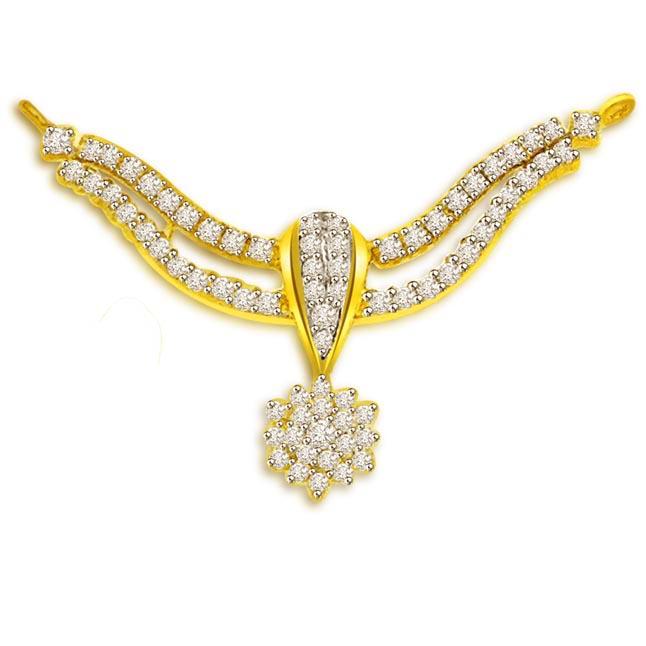 Sparlking Golden Waves 1.00 cts Flower Design Gold & Diamond Pendants Necklaces