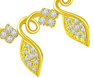 Golden Petals & Flower 18kt Gold & Diamond Pendants Necklaces