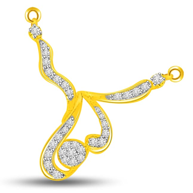 0.32ct Yellow Gold Fashionable Diamond Pendants Necklaces