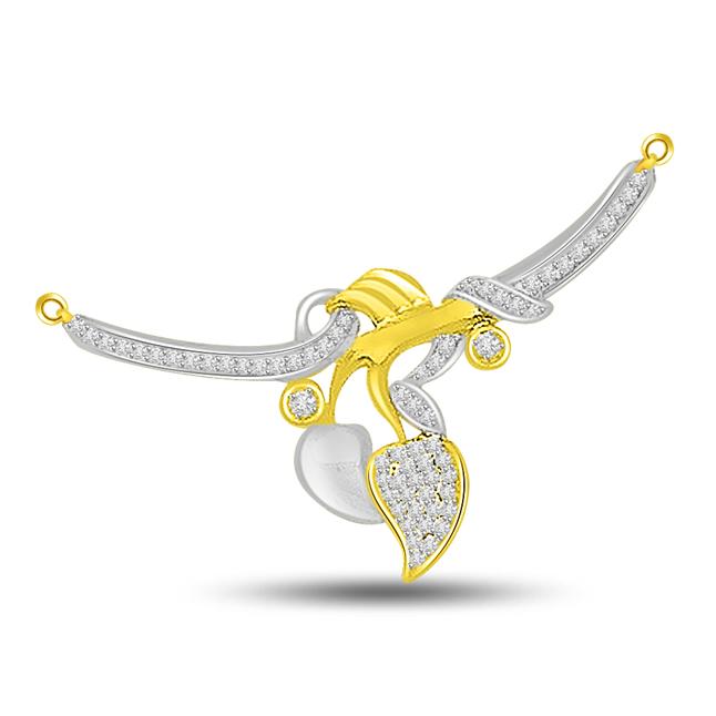 Love Kiss 0.37ct Two Tone Diamond Necklace Pendants