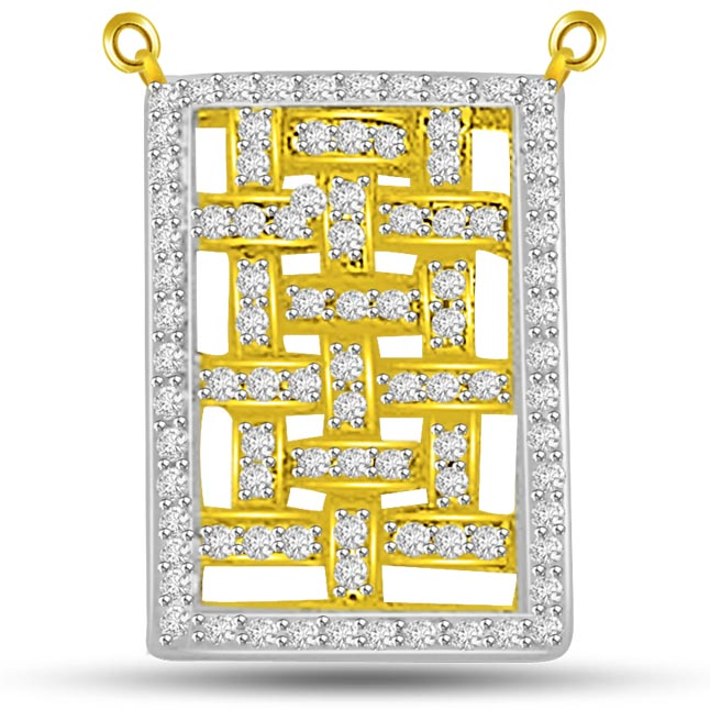 Diamond Weave Patterned Beautiful Pendants In Gold