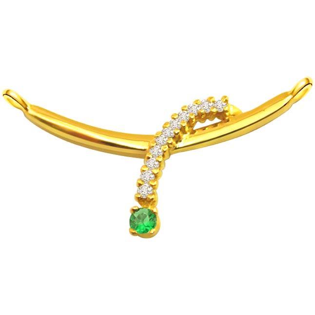 Diamond & Emerald Necklace Pendants DN47 Necklaces
