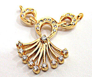 A Very Trendy Diamond & Gold Necklace Pendants DN51 Necklaces