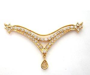 A Simple Diamond & Gold Necklace Pendants DN60 Necklaces
